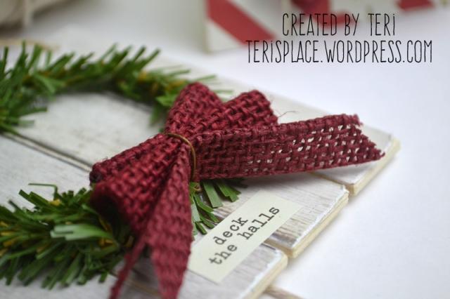 Mini Pallet Christmas Ornament by Teri//terisplace.wordpress.com